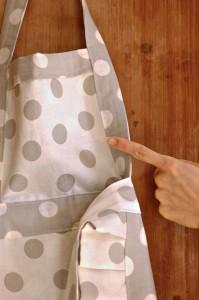Come Confezionare Un Grembiule Da Cucina.Grembiule Fai Da Te Il Tutorial Mamma Papera