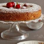 Torta di fragole e ciliegie
