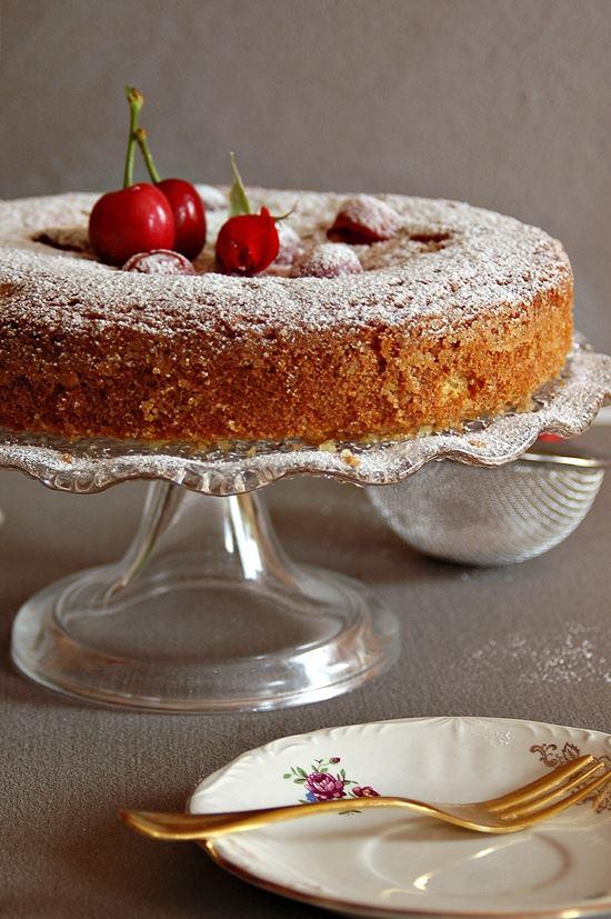 torta fragole e ciliegie