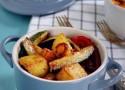patate peperoni e zucchine in padella