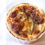 Torta salata con radicchio di Treviso gorgonzola e noci