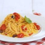 Spaghetti pomodorini e olive taggiasche